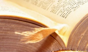 Buch mit Leseband