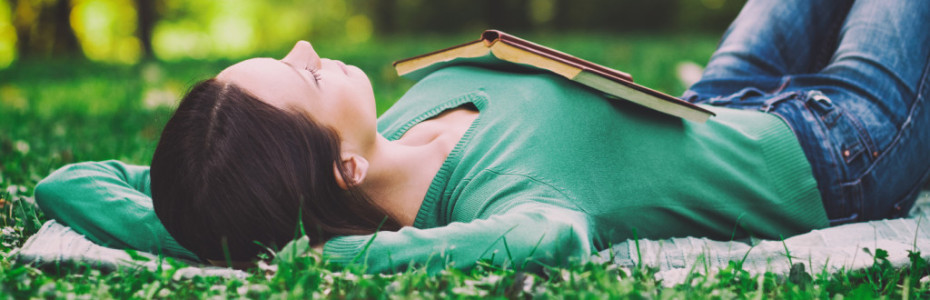 """Zufriedenheit entsteht nicht, nur weil gerade die Umstände ganz gut aufgestellt sind. Zufriedenheit entsteht im Herzen. Denkst du auch oft: """"Wenn ich mir das leisten kann, bin ich glücklich!""""?"""