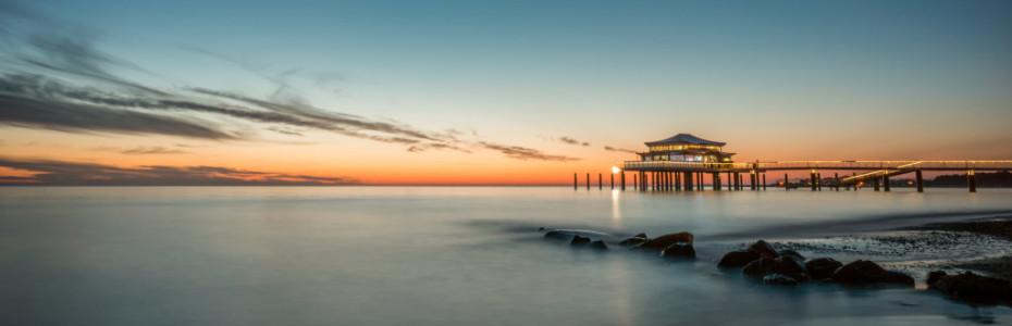 Wir werden eine Blogpause einlegen und mal wieder in die Offline – Welt gehen. Pause wird sein vom 1. Juli.2015 – 12. Juli.2015! Und zwar feiere ich am 4. Juli meinen 27. Geburtstag und ich habe mir gewünscht diesen am Meer zu verbringen, weil ich einfach schon ewig nicht mehr am Meer war.