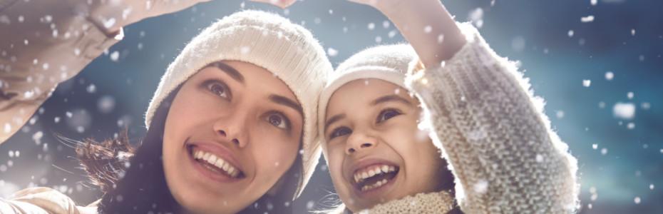 Mit der Weihnachtszeit verbinden wir oft Fröhlichkeit, Liebe, Geborgenheit und Verbundenheit. Doch einige kennen auch die Kehrseite. Denn oft ist man gerade in dieser Zeit, wo es draußen bereits früh dunkel wird, schnell einsam oder traurig.