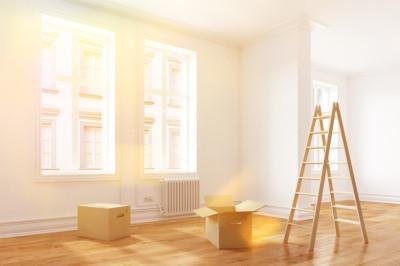 Umzug in eine sonnige helle Wohnung im Altbau