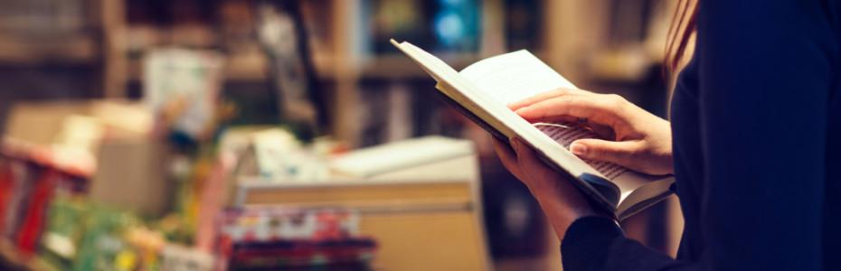 Sind wir uns eigentlich bewusst, was wir dort in den Händen halten? Wissen wir, was es für ein Geschenk ist, in einer Bibel lesen zu dürfen? Nicht überall auf der Welt ist das Selbstverständlich! Laut Gott ist das Wort sogar wichtiger als Essen und Trinken.