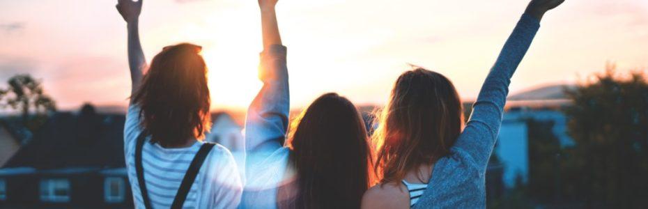 Freundschaften scheinen irgendwie nicht so mein Ding zu sein. Ich investiere viel Zeit und Liebe in andere Menschen, aber oft hab ich das Gefühl, dass das mit Händen und Füßen getreten wird. Erst gestern durfte ich wieder einmal erfahren, wie sich eine Freundschaft von mir in Luft auflöst. Was mach ich nur falsch? Liegt es an mir?